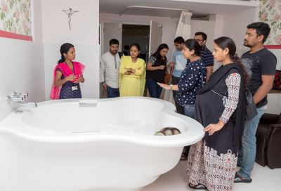WORKSHOP ON HYDROTHERAPY AND WATER BIRTH.